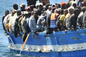 Boot mit Migranten ansa