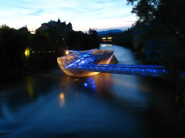 Graz Murinsel nachts Juni 2003