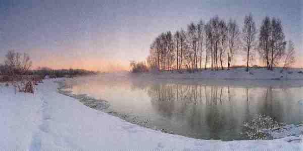 Morgens um neun war die Welt noch in Ordnung: Vor Sonnenaufgang begann der Fotograf Marat Achmetwalejew, die winterliche Idylle in der Nähe von Tscheljabinsk mit seiner Kamera einzufangen. Die 180-Grad-Panoramaaufnahme entstand zwischen 09:14:27 und 09:15:59 Uhr Ortszeit.