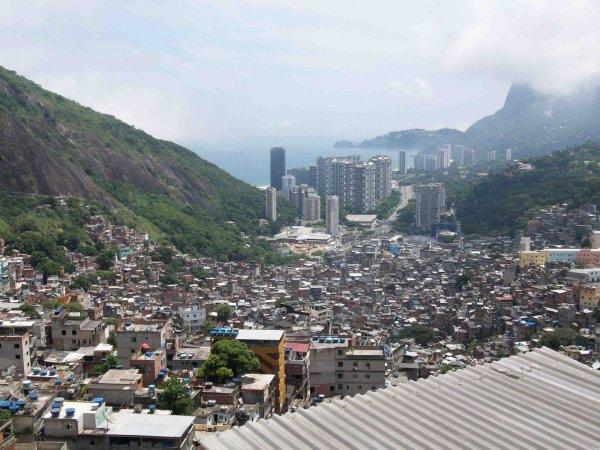 favela-713003