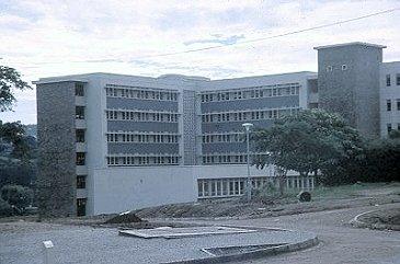 Mulago Hospital, erbaut 1961 kurz vor der Unabhängigkeit.