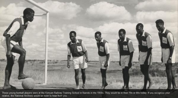 """""""Unterdrückte"""" Schüler an der Kenyan Railway Training School in den 1950ern (Kenianisches Nationalarchiv)."""