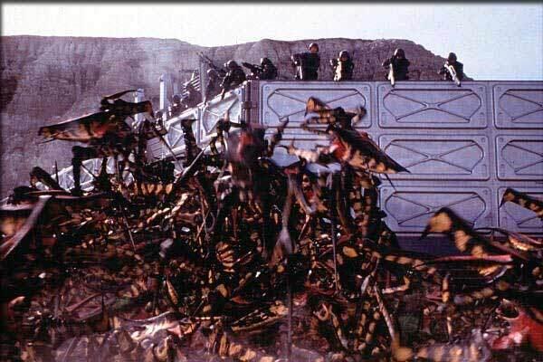 2-starship_troopers2-bugs