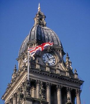 Die beiden heirateten am Standesamt im Rathaus von Leeds. Sie haben seit einem Jahr als Paar in South Yorkshire gelebt.