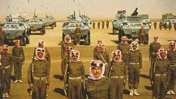 Panzer und Schwert - saudi-arabische Nationalgarde