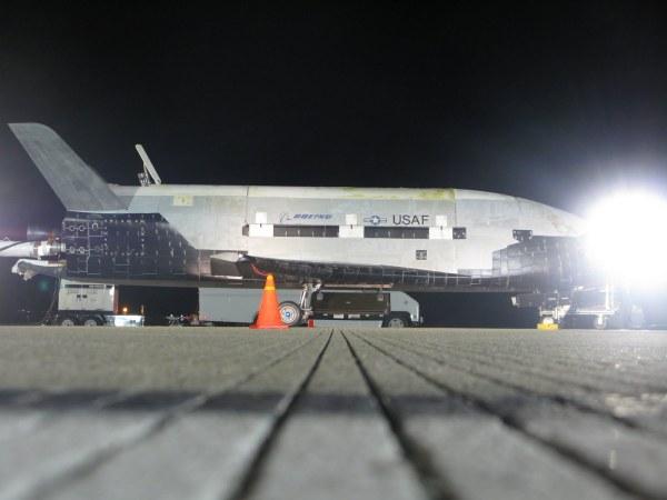 X-37B nach der Landung.