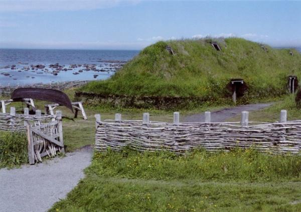 Rekonstruktion der Langhäuser von L'Anse aux Meadows