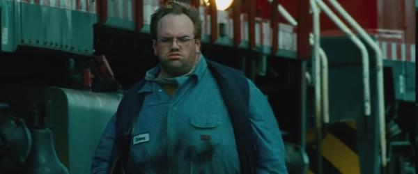 Ethan Suplee als Dewey, der Lokführer