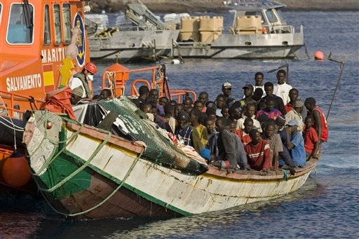 african-boat-immigrants