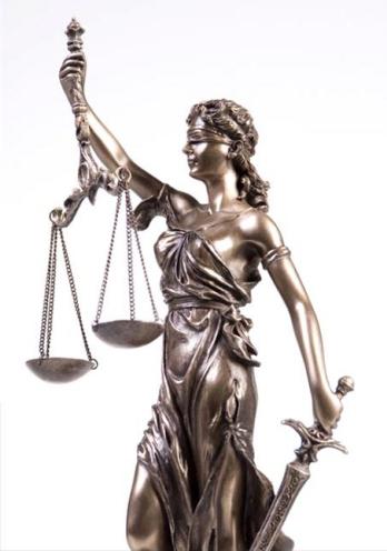 gerichtsverhandlung-gotteslaesterung-justitia