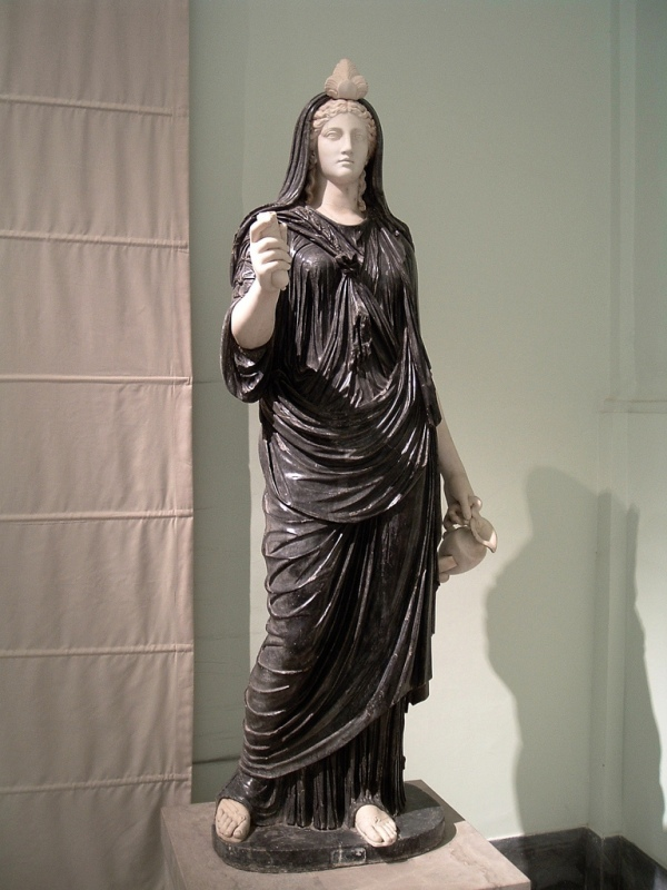 12-isis-statue-neapel-2-3-jhdt
