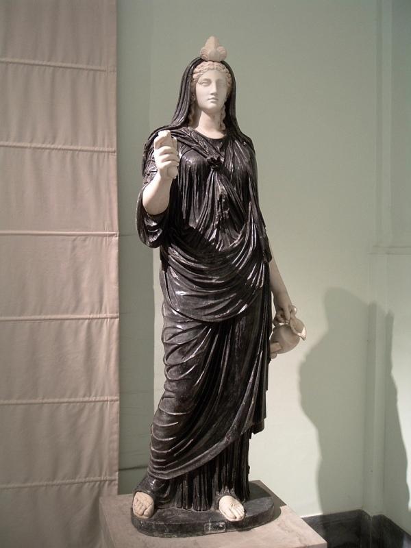 12-isis-statue-neapel-2-3-jhdt