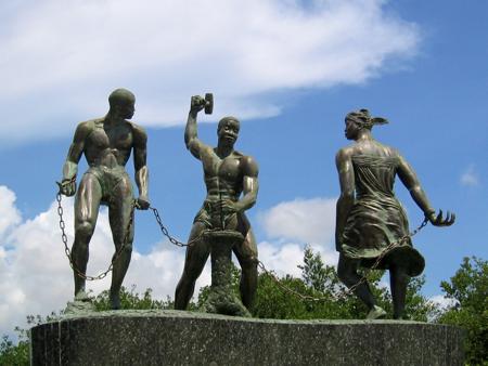 Afrikanische Sklaven in Niederländisch-Curaçao schuften für ihre jüdischen Herren.